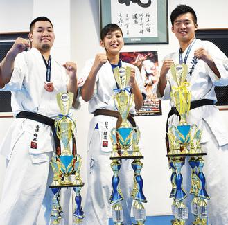 (左から)吉澤さん、目代さん、飯野さん