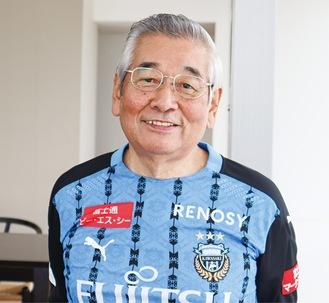 ユニフォーム姿の藤本会長