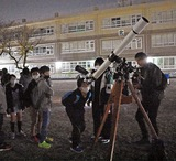 夜の学校で思い出づくり