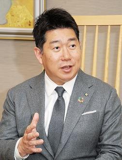新年の抱負を語る福田市長