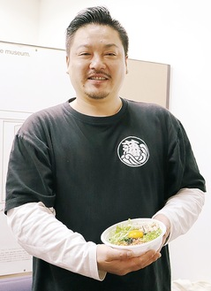 大賞を受賞した「麺匠 藩次郎」の横瀬代表