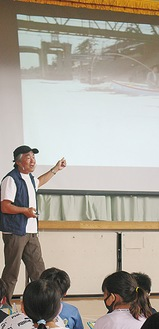 多摩川の魅力について熱く語る中本さん