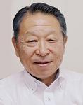 三浦市に設置しているログハウス(上)/同社の鈴木会長