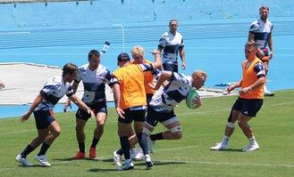 等々力陸上競技場で練習に励む英国代表の選手ら