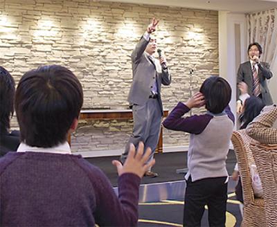 新日本学園招いて食事会