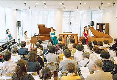 ピアノとヴァイオリンが奏でるクリスマスライブ