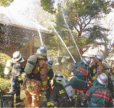 全龍寺で消防訓練