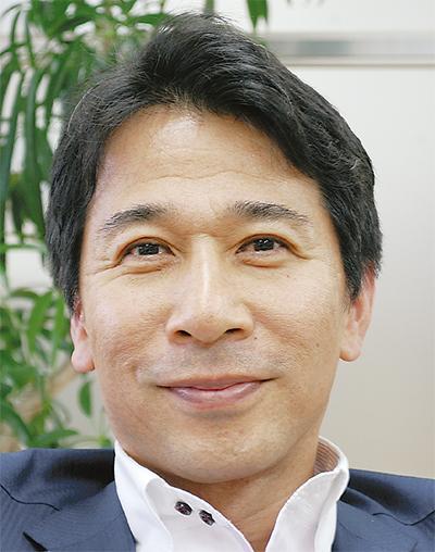 手塚 健一郎さん