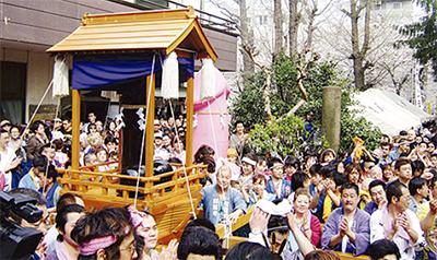 川崎の奇祭「かなまら祭」
