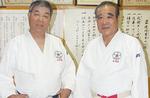 柿生青少年柔道会の松澤会長(右)と関元副会長