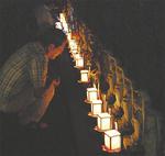 「三百三十三観音献灯会」であかりを灯す