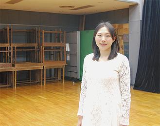 黒川の稽古場で練習に励む八木橋さん