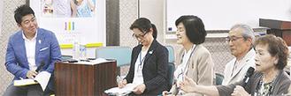 区内の芸術・文化分野の団体と意見交換する福田市長