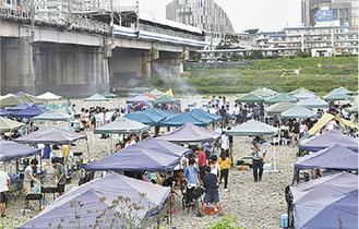 多くの利用者でにぎわう多摩川緑地バーベキュー広場