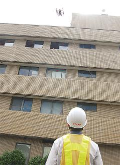 倒壊建物の捜索を想定したドローン訓練
