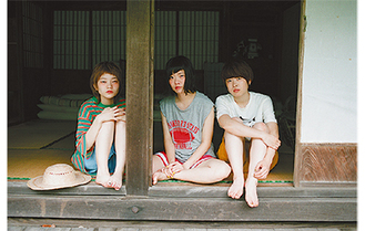メンバーの(右から)吉川さん、宮崎さん、松岡さん