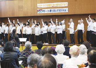 様々なグループが公演を盛り上げた