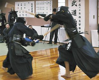 白熱した剣道高点試合の様子