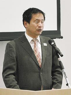 基調講演を行う日本パラリンピアンズ協会河合会長