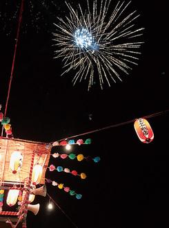上麻生東町会の花火(過去の様子)