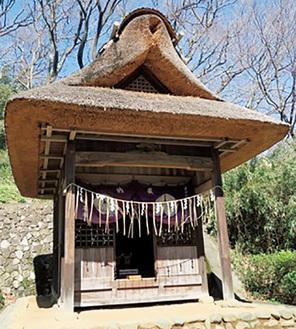 日本民家園に移された蚕影山祠堂