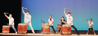 公開練習に臨んだ夏蒐太鼓のメンバー
