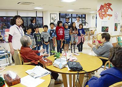 高齢者施設で福祉体験