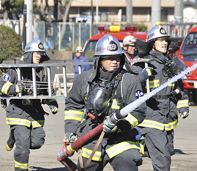 若手消防士が技術競う