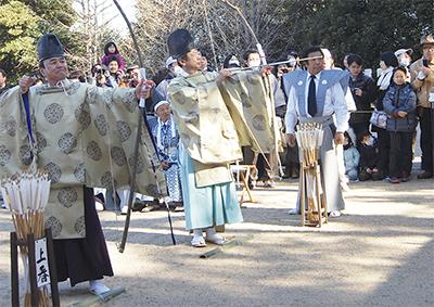 高石神社で流鏑馬(やぶさめ)