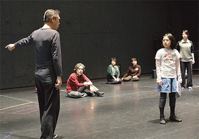 岡本太郎題材の舞台