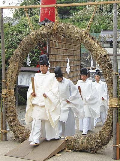 琴平神社で夏越(なごし)の大祓(おおはらい)