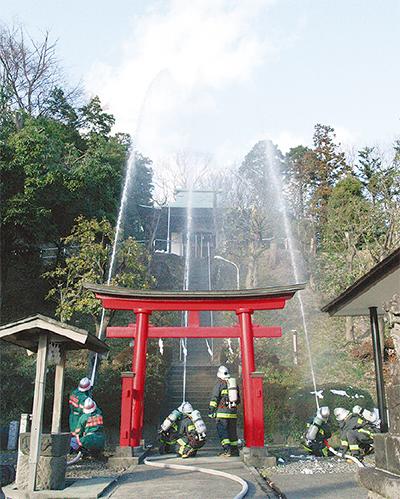 白山神社で消防訓練