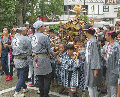 高石神社例大祭で活気