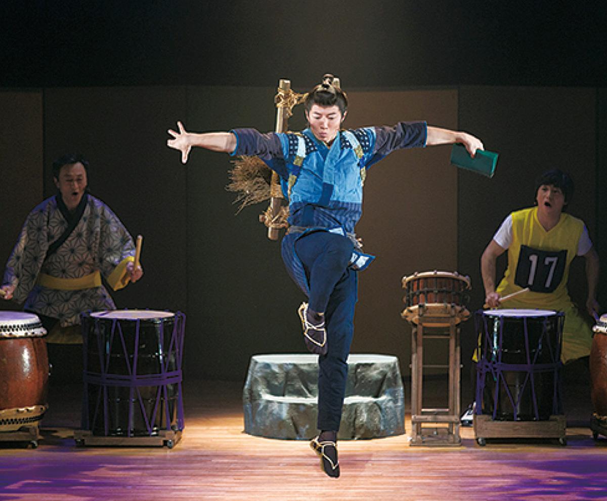 歌い踊る二宮金次郎