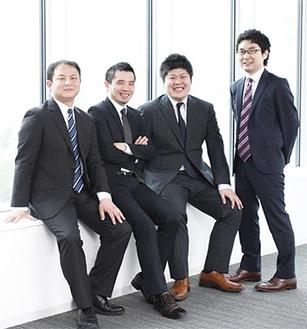 左から添田弁護士、酒井弁護士、林弁護士、土屋弁護士