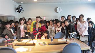 「中島早貴のキュートな時間」の収録見学に参加した後の一枚。℃-uteの中島早貴さんと一緒に