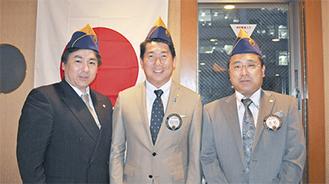 名誉会員となった福田市長(中央)右は古名会長、左は石橋さん