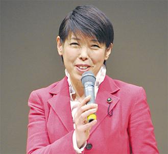 活動実績を報告する西村県議