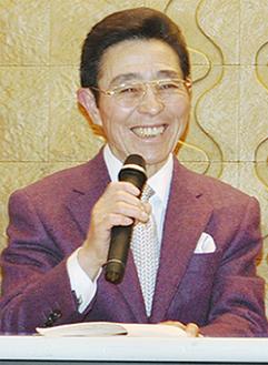 笑顔で語る佐々木さん