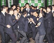 高橋投手 福岡SBへ