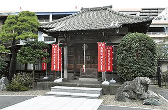 本堂は昭和初期のもの
