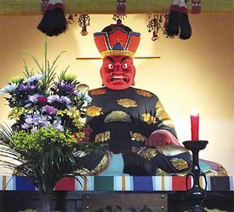 公開される閻魔大王像