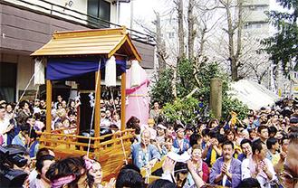 世界的に知られるかなまら祭