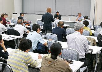 参加者の課題に対して加藤氏と対話の時間も