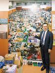 新潟中越地震(2004年)避難所風景を視察