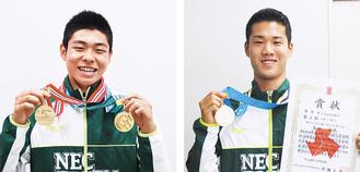 メダルを手にする小嶋選手(左)と末永選手