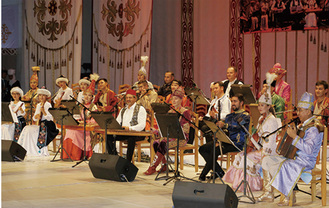 楽器、民族衣装も見どころ