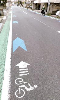 車道混在の矢羽根(幸区古川町)