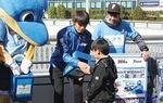 募金活動を行う選手 ©川崎フロンターレ