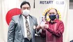 川崎南RCの百瀬会長(左)と鈴木さん
